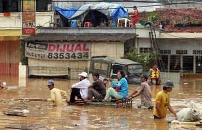 teks eksplanasi wacana banjir