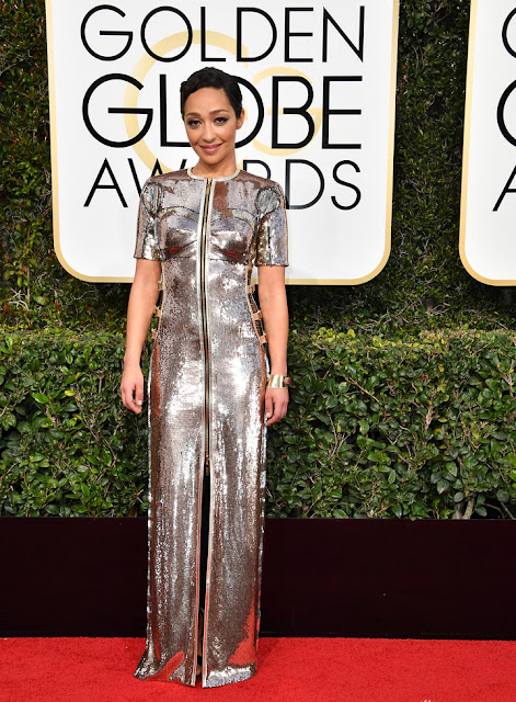 2017 Golden Globes Ruth Negga Wear Stunning Silver Metallic Dress