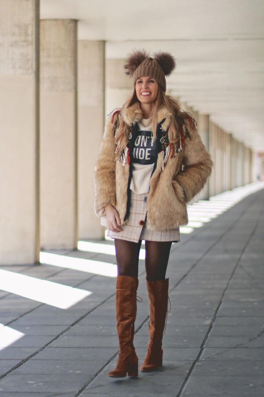abrigo de pelo con falda