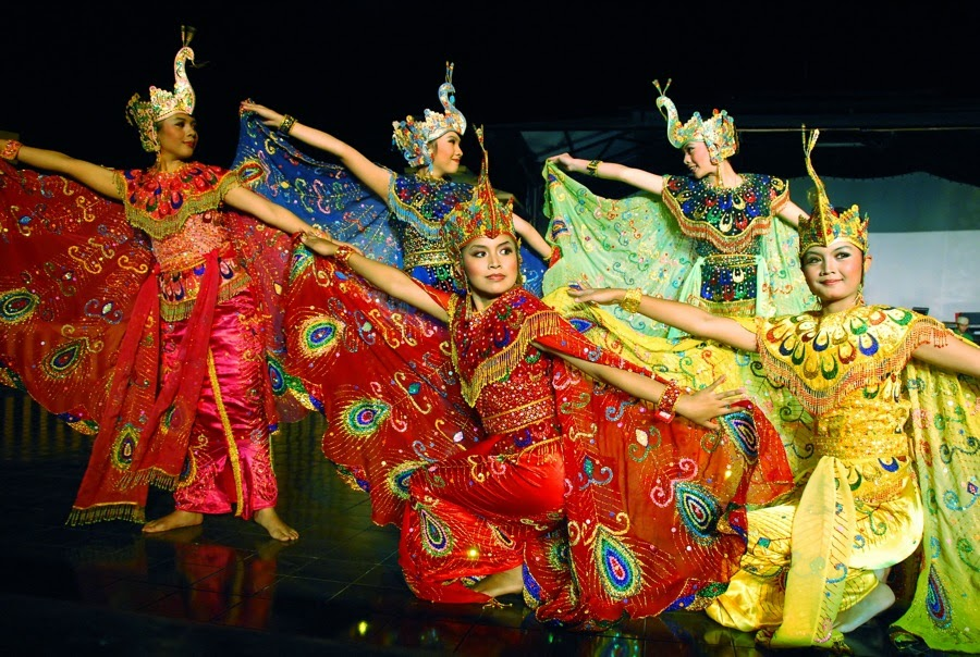 Culture Of Indonesian Traditional Dance Of Western Java Dancing Peacock
