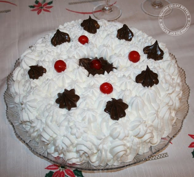 Per Natale 2008 ho preparato questa buonissima Torta con Crema al Cioccolato  e Panna che non ho fatto in tempo a pubblicare c47a102bd534