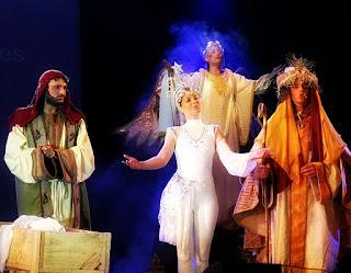 José, a Estrela, o Anjo e um Rei Mago cantam no Auto de Natal de Canela.