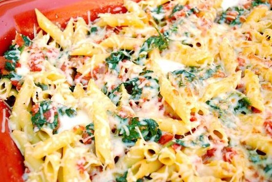 CHEESY SPINACH TOMATO PASTA BAKE #HealthyFood #Pasta