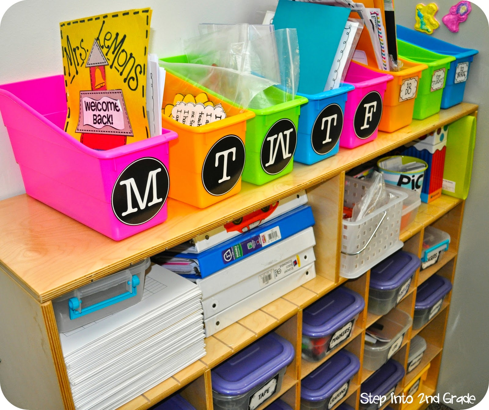 Classroom Organizing Ideas: Step Into 2nd Grade With Mrs. Lemons: Organized... ME??