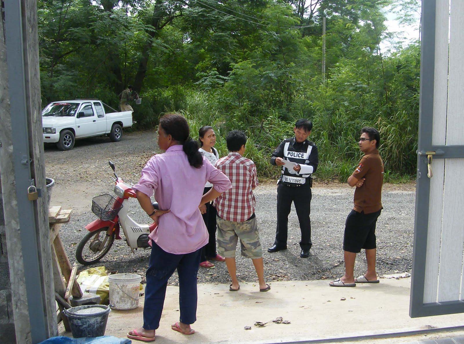 thailand pakchong beobachtungen und erfahrungen hausbau in thailand teil 9 wisit und die polizei. Black Bedroom Furniture Sets. Home Design Ideas