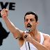 Público vaiando cenas gays do filme de Freddie Mercury. Seria outra fake news das esquerdas?