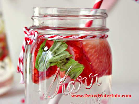 Strawberry mint water infusion