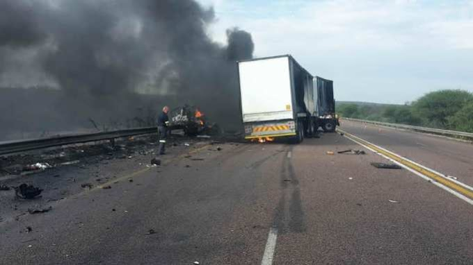 Zimbabweans are placing sharp objects on the N1 north, Kranskop to cause accidents so they can rob victims
