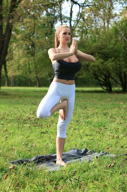 Jordan-Carver-Yoga-Hot-Sexy-HD-Photoshoot-Image-29