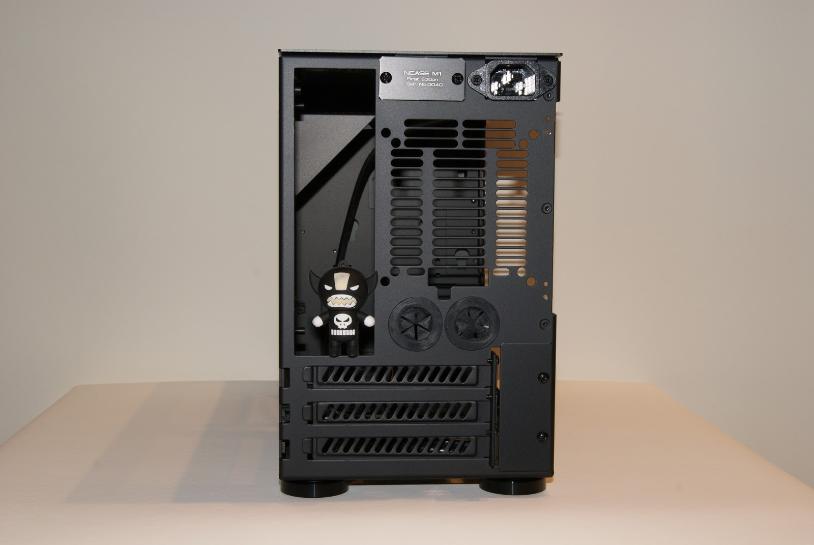 Posterior NCASE M1, caja Mini-ITX para PC Gamer