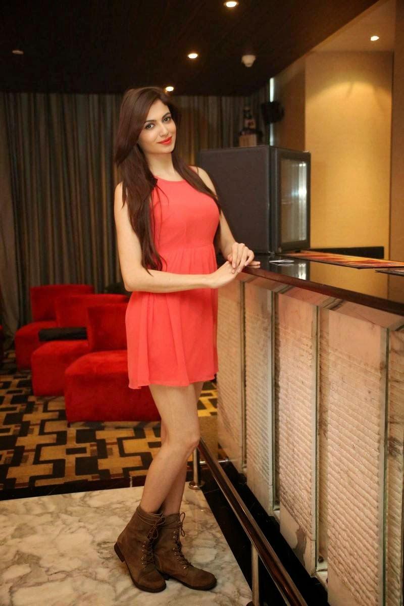 Tollywood Actress Simran Kaur Mundi, Pics of Indian Girl in short Dress wearing long buits - Simran Kaur Mundi