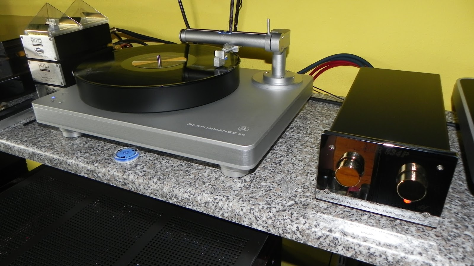 Clearaudio performance dc turntable package - We Are Currently Listening Your Lps With Clearaudio Performance In Combination With Ear Phono Stage Accuphase Amplification And Legendary Acoustic Research