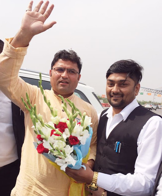 Regional President Dr. Ashok Tanwar, Legal Cell Faridabad Chairman Anuj Sharma welcomed