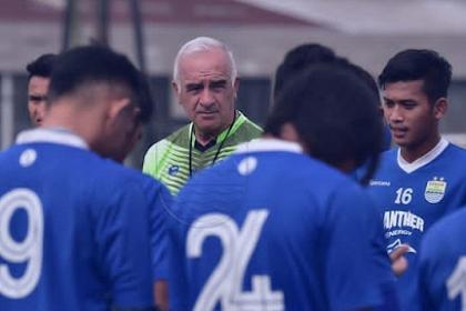 Nyaman di Puncak Klasemen, Ini 9 Laga Sisa Persib Bandung di Liga 1 2018