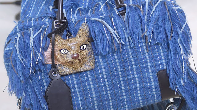 loewe cat necklace bag