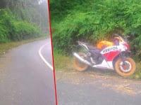 Motor Sport Hantu Ini Parkir Bertahun-Tahun Di Tepi Hutan, Kisahnya Bikin Merinding