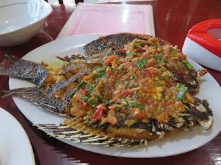 ミャンマーの魚料理