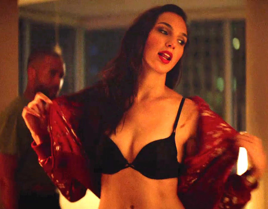 Wonder Woman Gal Goes Pictures Viral Hot Gadot's Hd Sexiest Bikini DHE2Y9WI