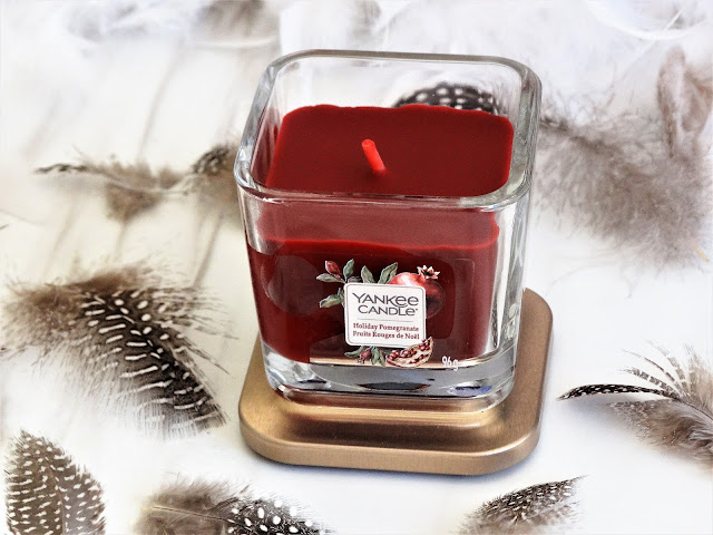 avis Holiday Pomegranate Yankee Candle, holiday pomegranate yankee candle elevation, yankee candle elevation collection, avis holiday pomegranate yankee candle, fruits rouges de noël yankee candle, yankee candle elevation candle review, avis bougie elevation yankee candle, bougie fruits rouges de noël yankee candle, avis yankee candle elevation, fruits rouges de noël