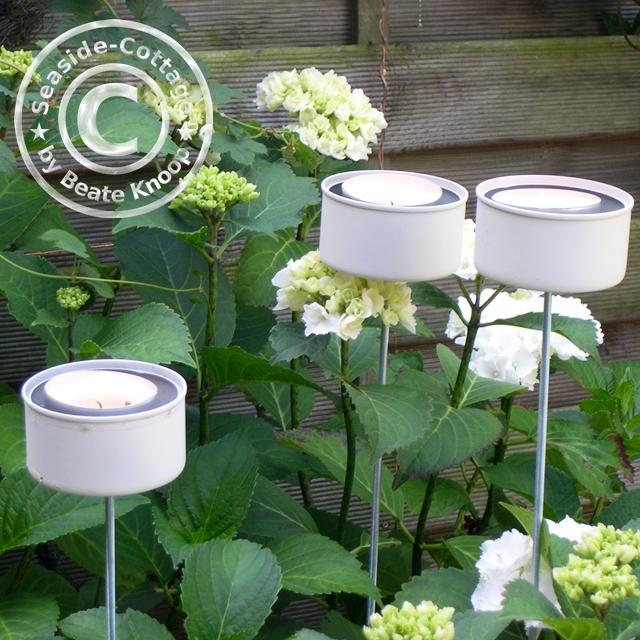 seaside cottage upcycling diy gartenlichter aus thunfischdosen. Black Bedroom Furniture Sets. Home Design Ideas