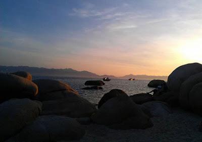Cau Islet