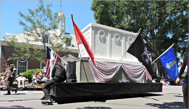 Tumba Soldado Desconocido Desfile 4 de Julio Bristol
