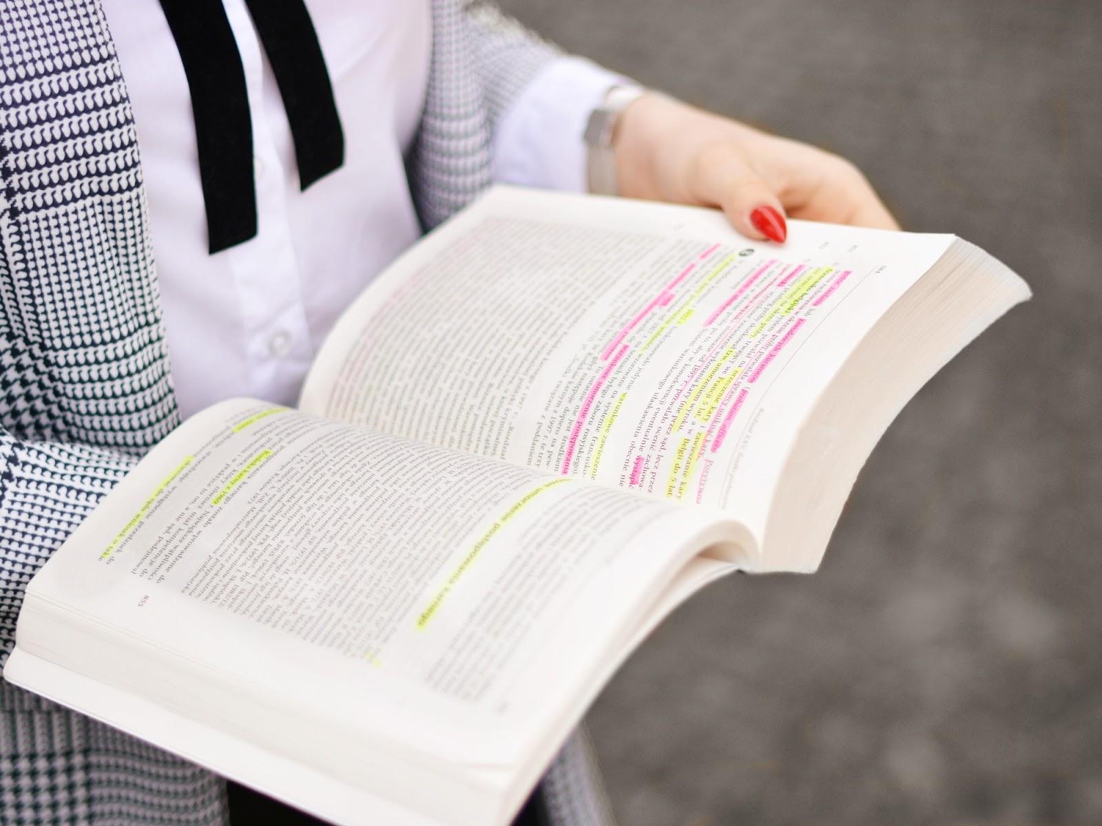 ksiązka studia