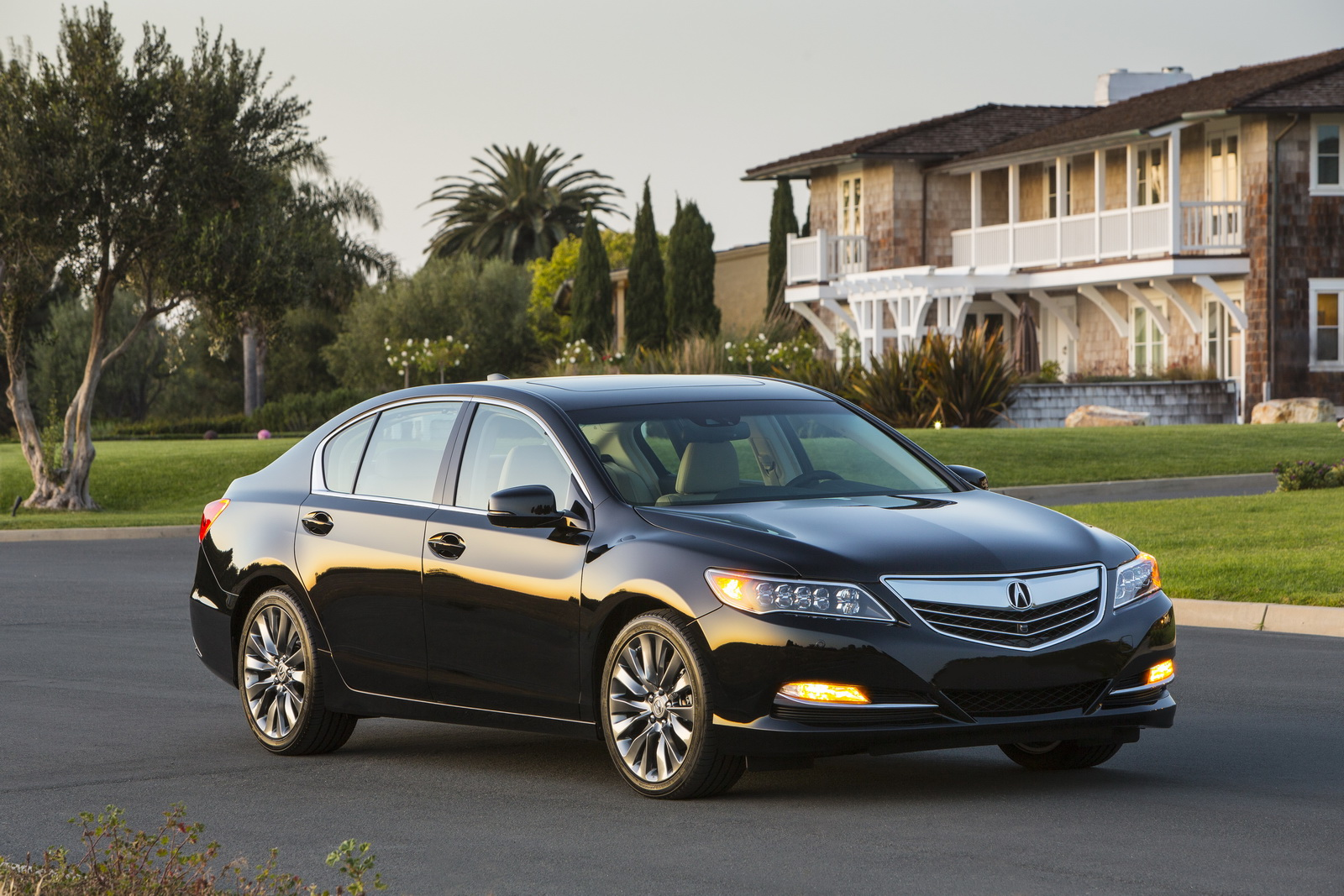 2017 acura rlx offers more features but base model gets 3 480 price hike. Black Bedroom Furniture Sets. Home Design Ideas