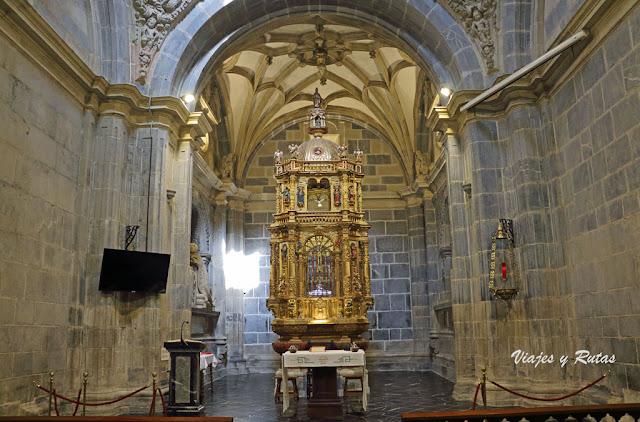 Capilla del Lignum Crucis, Monasterio de santo Toribio de Liebana
