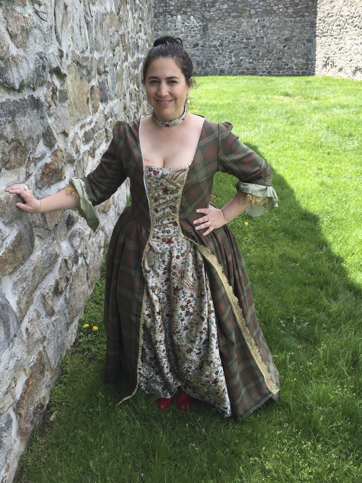 "Maggie's Costume Wardrobe: Outlander ""The Gathering"" gown"