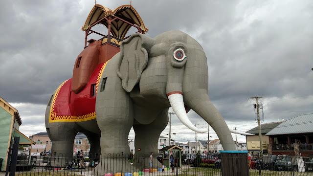 Слониха Люсі - найдивніша будівля Нью-Джерсі (Lucy the Elephant. Margate City, New Jersey)