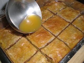 baklava, baklawa o baclava cocina gastronomia arabe dulce pasta filo pistachos