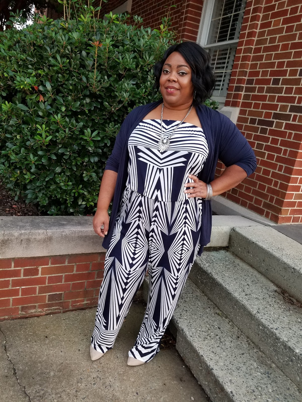 036a3dca394 Plus size blogger in geo-print jumpsuit