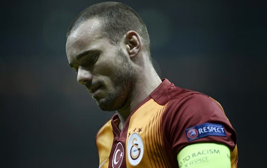 Manchester United to bid £15m for Wesley Sneijder