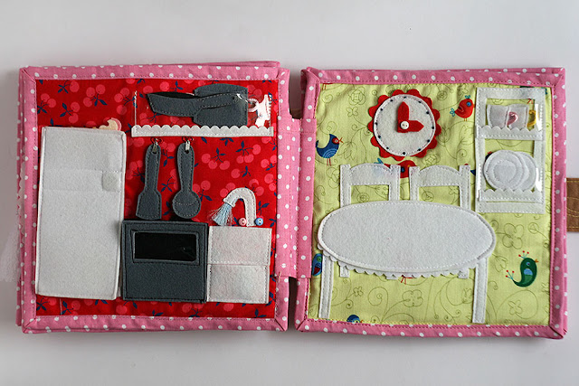 Dollhouse for Lizuca. Handmade fabric/felt dollhouse quiet book for girls