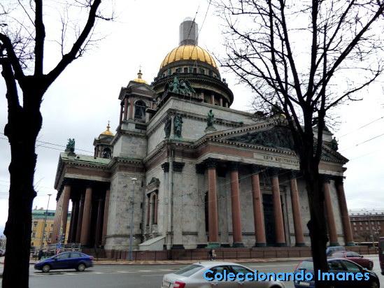 Exterior de la Catedral de San Isaac en San Petersburgo