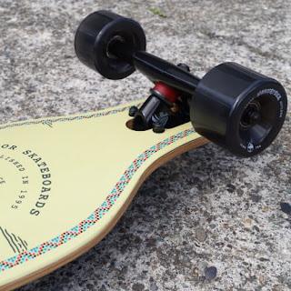 ビギナーも家族も楽しいロングスケートボード