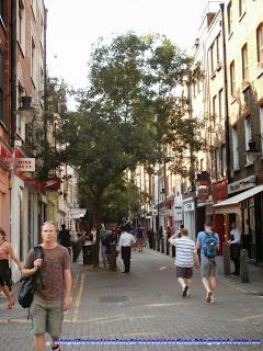 Calle comercial de Neal Street en Covent Garden