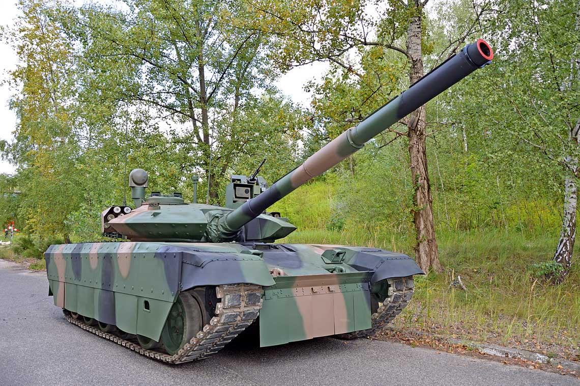 demonstrator-PT-17.jpg