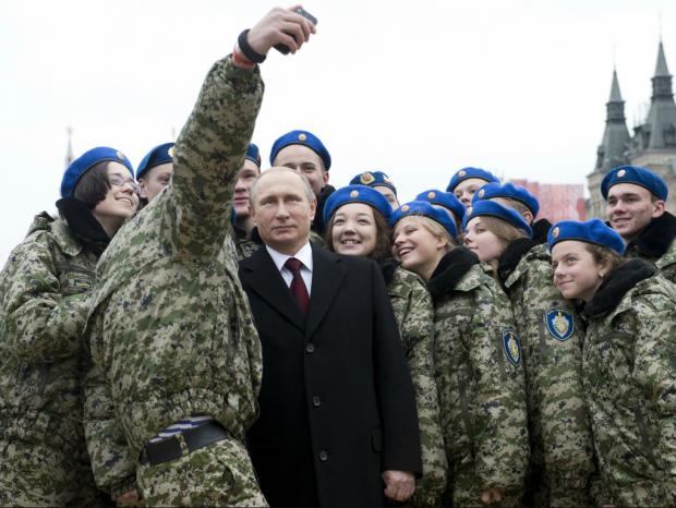 military-selfie-russia-putin