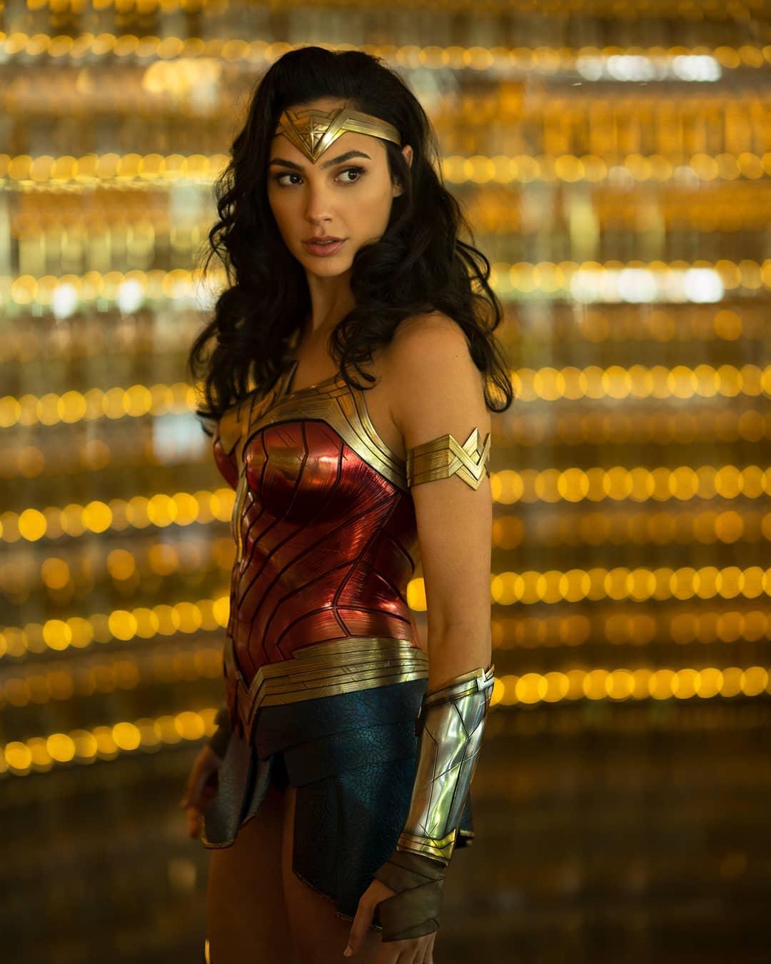 Gal Gadot Photos | Wonder Woman Images - HD Actress Photo