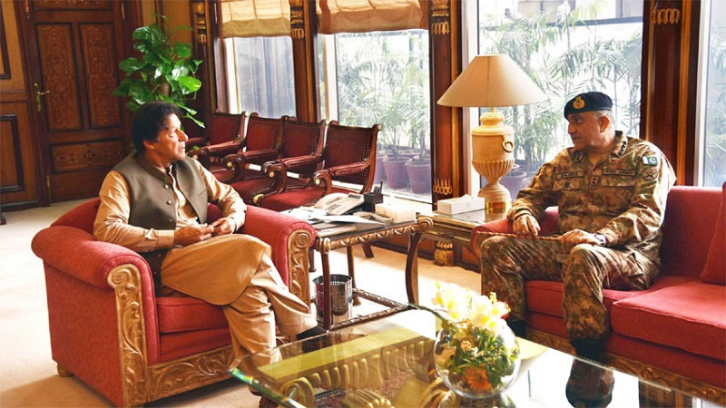 Army Chief calls on Prime Minister Imran Khan to discuss security issues