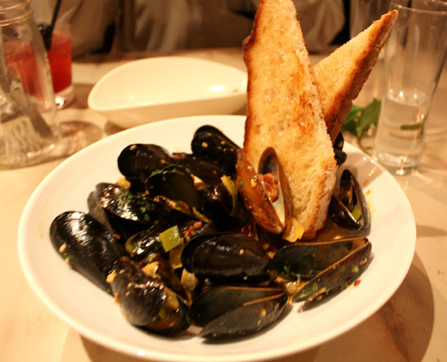 Mussels at Mesa Urbana have a spicy yet fresh kick!