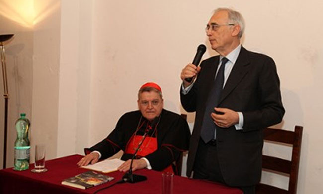La disinformazione criminale de Il Tempo: «La pedofilia nella Chiesa è tutta colpa dei gay e di papa Francesco»