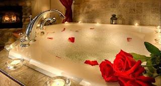 mandi-bersama-pasangan