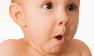 Far passare il singhiozzo ai neonati