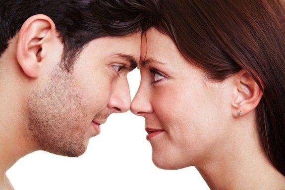 التواصل البصري المستمر من أساسيات اظهار الثقة بالنفس