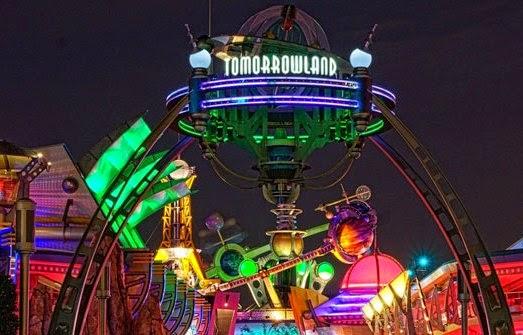 Tomorrowland na Disney da Califórnia