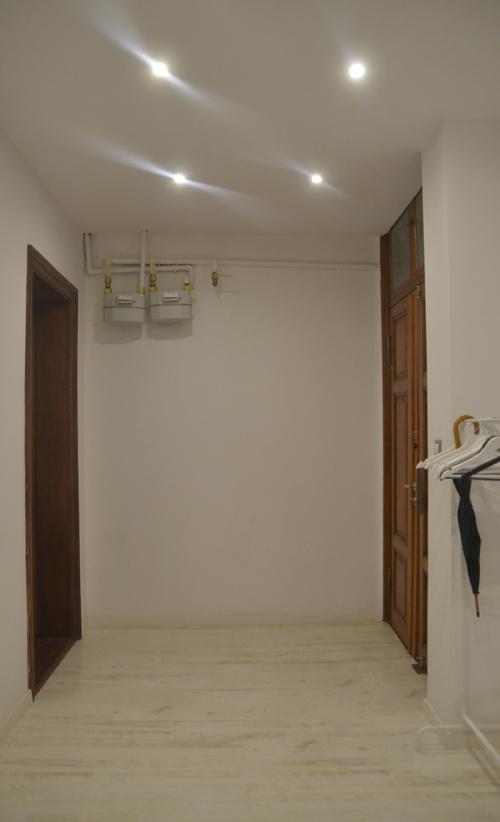 kamienica, wejście do mieszkania