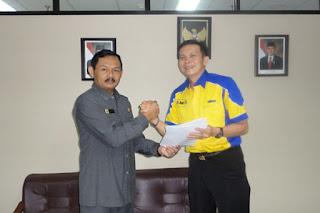 Sofian Tjandra bersama Laksda TNI Santoso